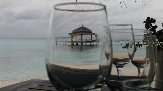 Kuramathi Island Resort: Restaurant (June 2012)