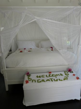 Sugar Beach, A Viceroy Resort:                   room bed