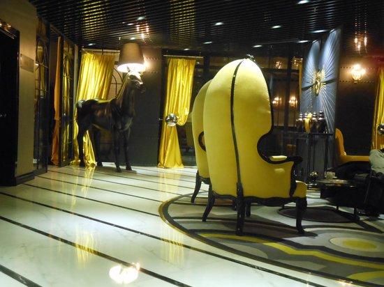 سورا ديزاين هوتل آند سويتس - بوتيك كلاس:                   Sura Design Hotel Lobby                 