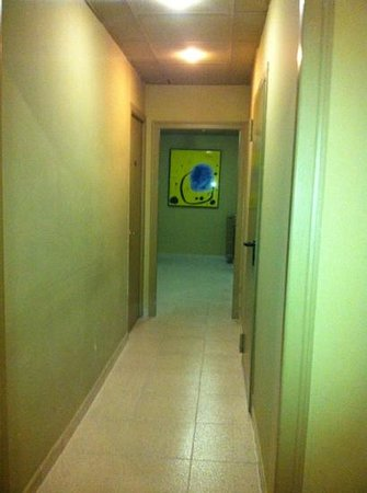 Hotel Rey Don Jaime I: pasillo que lleva a la habitación