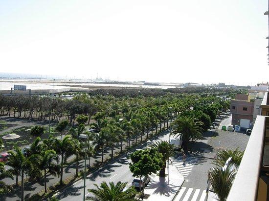 Elba Vecindario Aeropuerto Business & Convention Hotel: view from the room balcony