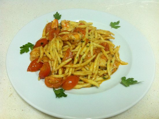 Black Cherry: pasta fresca with shrimps cherry tomate in brandy sauce ( 8 euro)