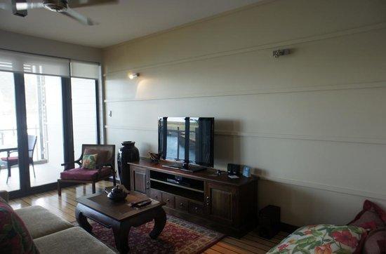 โบ้ทเฮ้าส์อพาร์ทเม้นบายเอ้าทริคเกอร์: living room