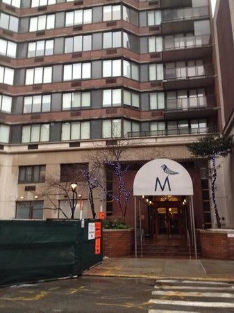 The Marmara Manhattan:                   entrada do hotel.