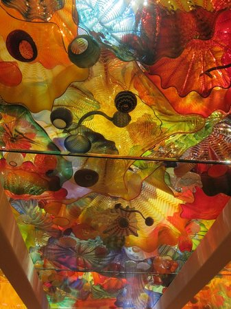 Virginia Museum of Fine Arts: Chiluly glass ceiling