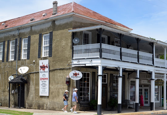 Tony's Seafood Restaurant: Tony's is located at the corner of SR24 and 2nd Street in downtown Cedar Key.