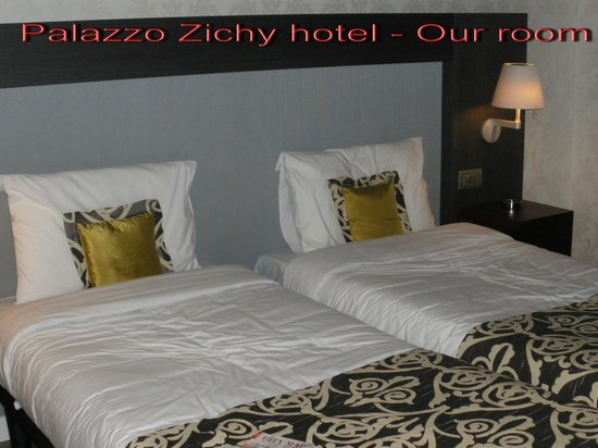 Hotel Palazzo Zichy: Our lovely room