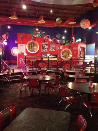 Space Aliens Grill & Bar: the atmosphere