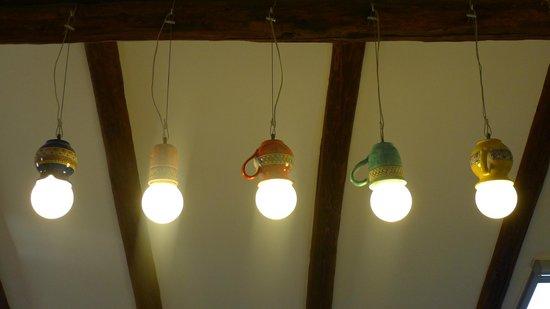 B&B La Casa di Donn'Amelia: Le originali luci della camera Scirocco