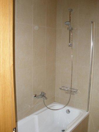 Hotel ILIANA: A very clean bathroom all time