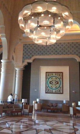 Crowne Plaza Jordan - Dead Sea Resort & Spa: Lobby