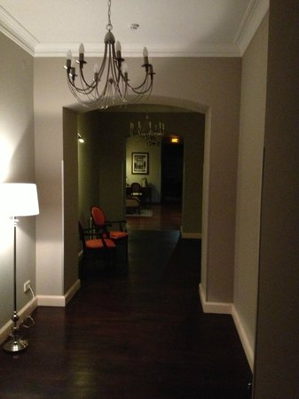 Vintage Boutique Hotel:                   Interior 1st Floor