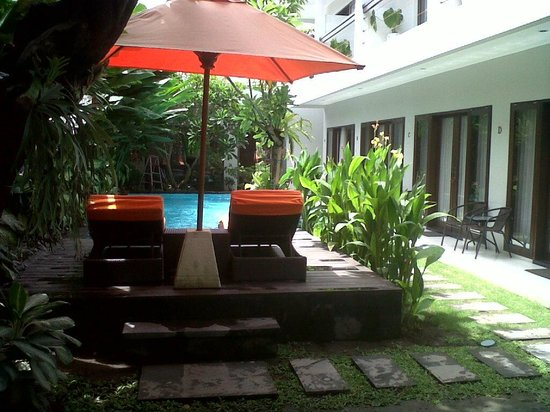 The Pavilion Hotel Kuta : pool view from standart room