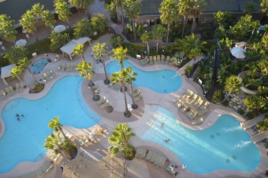 Hyatt Regency Mission Bay: Pool area with a partial view of the water slids