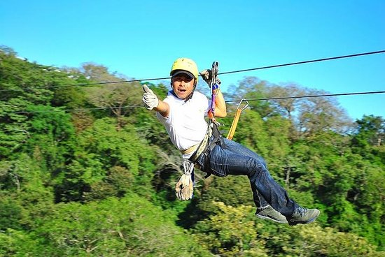 Adventours Costa Rica : Zip-Lining!!