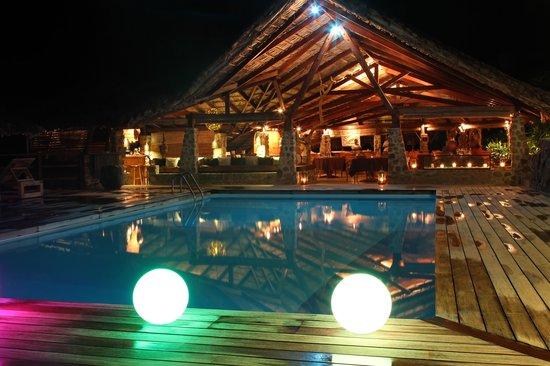Le Chateau de Feuilles: le restaurant le soir