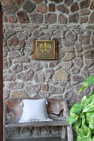 Le Chateau de Feuilles: Accueil de l'hôtel