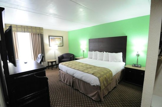 Quality Inn & Suites-Capital District: Newly Renovated Rooms