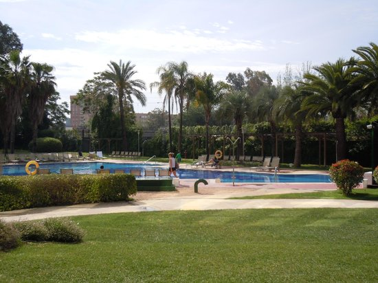 Silken Al-Andalus Palace Hotel: Piscina