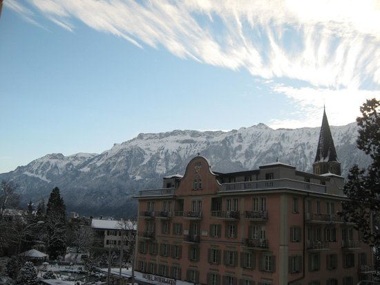 Hotel Royal St. Georges Interlaken - MGallery Collection:                   vista da sacada do apartamento.
