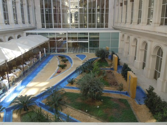 Silken Al-Andalus Palace Hotel : Dalla camera