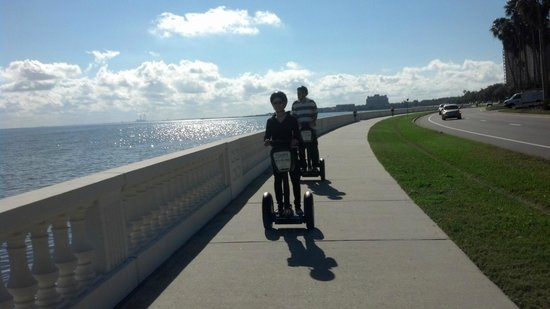 Electric Glide Tours : Longest continuous sidewalk in the world