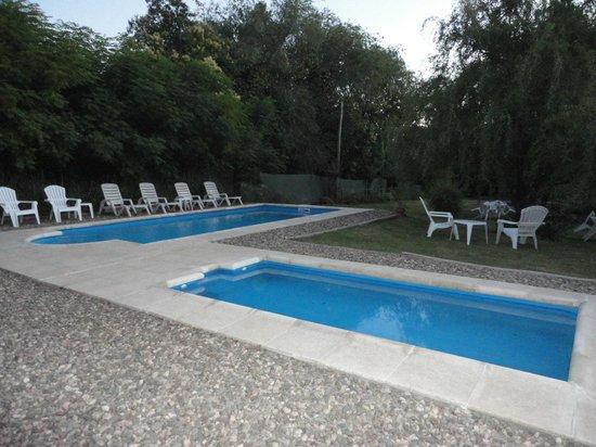 Foto de las acacias posada de campo villa general for Piletas de campo