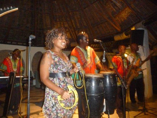 Ocean Village Club: Chanteurs et Chanteuse au TOP