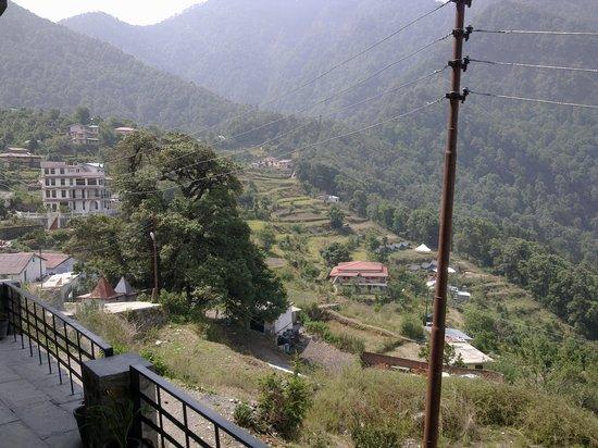 Ashoka's Naini Chalet Resort: View from Lobby