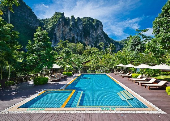 Aonang Phu Petra Resort, Krabi:                   Beautiful pool area