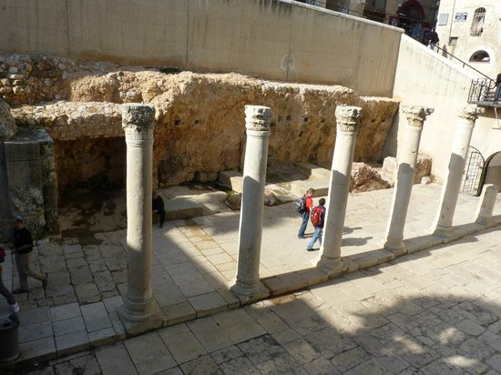 จิววิชควอเตอร์: standing columns