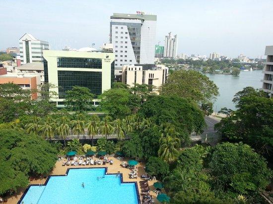 โรงแรมชินนามอน แกรนด์ โคลัมโบ: View from executive lounge