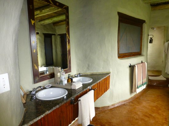 andBeyond Phinda Rock Lodge: Bath