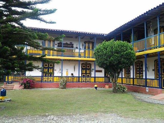 Hacienda Combia: Vista desde el area de recepcion