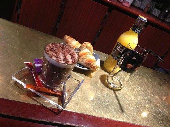cafe du Palais : Petit déjeuner de 8H00 à 11H30