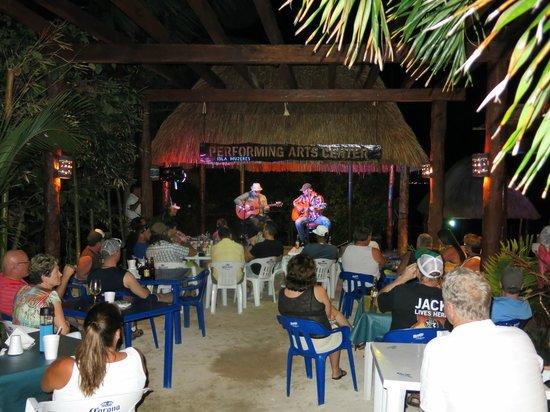Craig Moritz playing at Bahia Tortuga