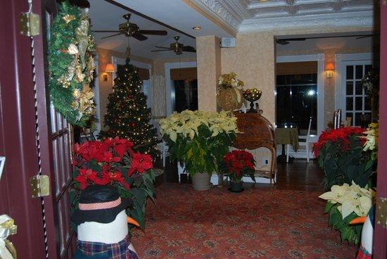 Chateau Inn & Suites: déco NOEL réception