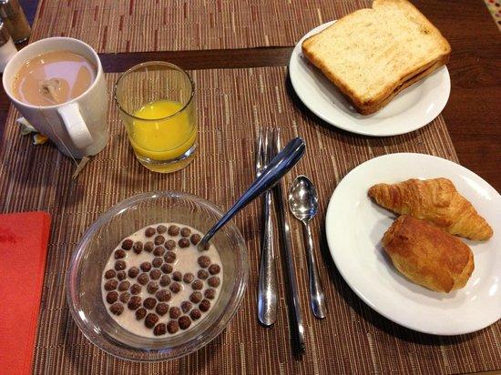 Mercure Budapest City Center:                   Self-service breakfast