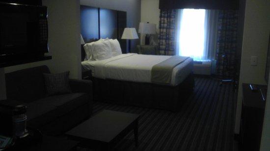 Holiday Inn Express Lakeway:                   room!