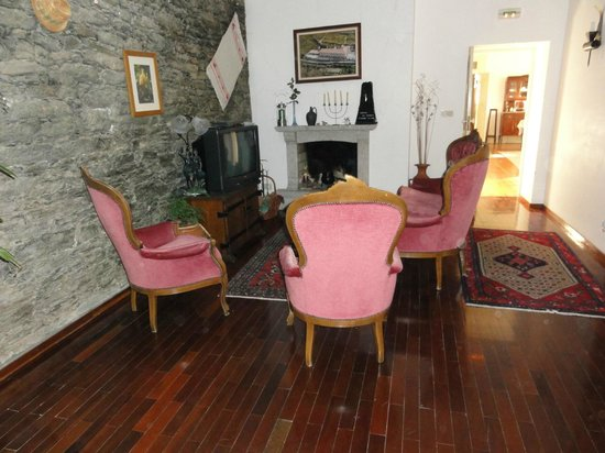 Quinta Da Azenha: Living room area first floor