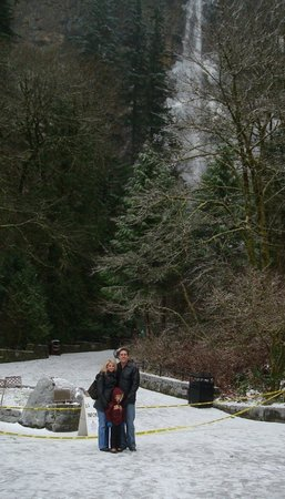 A frosty day at Multnomah Falls