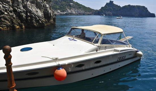Noleggio barche Lucibello: Lucibello Tornado 11 Cabin Cruiser w/ Salvatore at helm