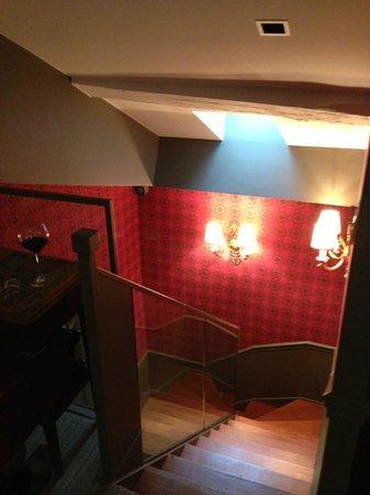 La Maison Favart: Suite stairs