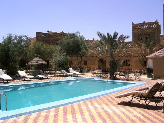 Kasbah Le: Inviting pool