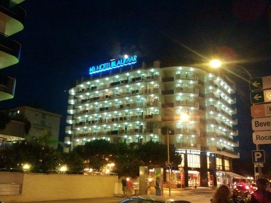 Hotel BLAUMAR:                   the hotel from the outside
