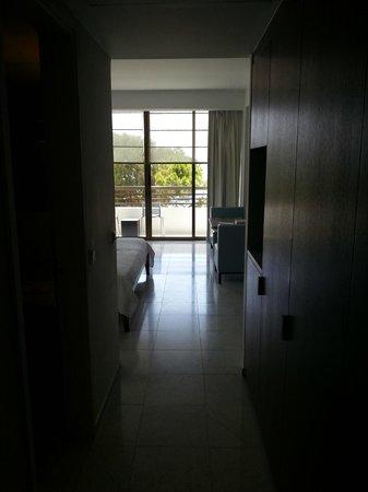 Almyra Hotel: Room entry