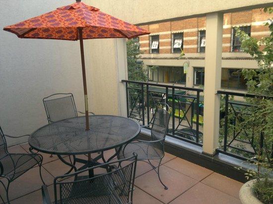 Paramount Hotel: Balcony view