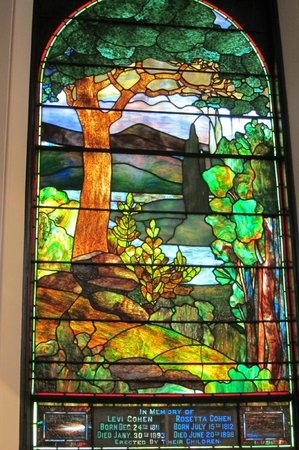 Virginia Holocaust Museum: Tiffany window in synagogue