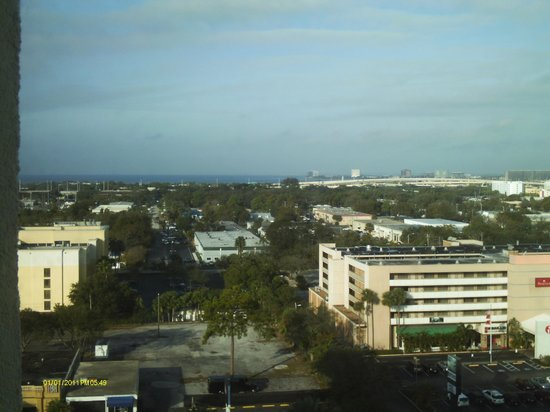 Tampa Marriott Westshore: view from the 14th floor, Tampa Bay in the distance