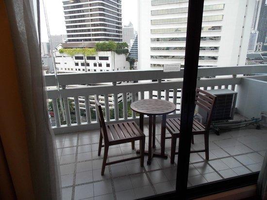 Phachara Suites: Great balcony